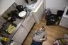 «Я сопровождала Аурелию на протяжении последних недель. В Нидерландах, где живет Аурелия, с 2002 года официально разрешена эвтаназия. Ежегодно несколько тысяч человек на законных основаниях заканчивают свою жизнь при поддержке врачей, потому что их боль невыносима, и нет никаких шансов на выздоровление. Когда страданий становится слишком много для жизни?» — задалась вопросом Хойн.  <br> <br>  Аурелия говорила, что не хочет, чтобы люди убивали себя. Но она хочет, чтобы тот, кто действительно хочет положить конец своей жизни из-за страданий, имел шанс на самостоятельное решение и поддержку врача. Не один, не после передозировки, не после прыжка под поезд или с высокого здания, а дома, в их собственной постели, в окружении близких.   <br> <br>  «Может, пришло время поговорить о том, что психически больные люди достигают момента, когда их страдания становятся невыносимыми, и правильнее помочь им закончить свою жизнь, чем пытаться облегчить их боль и страдания?» — вопрошает автор проекта.