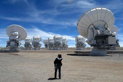 Вокруг звезды нашли цепочку неизвестных объектов
