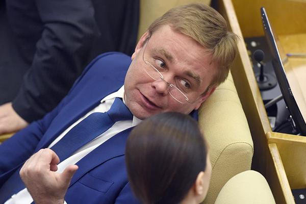 Максим Сураев