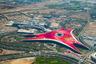 Warner Brothers World стал третьим в комплексе гигантских тематических парков на острове Яс. Два других — это один из самых больших в мире аквапарков, а также знаменитый Ferrari World, посвященный, наверное, самой знаменитой гоночной конюшне «Формулы-1» и фирме-производителю легендарных лакшери-спорткаров. Фанатам Ferrari парк, конечно, обязателен к посещению: здесь можно как изучить историю бренда и его гоночного подразделения, так и попробовать себя в картинговых гонках и симуляторе «Формулы-1».