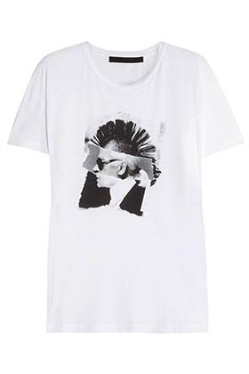 Карл Лагерфельд выпустил капсульную коллекцию в стиле участника Sex Pistols Сида Вишеса. В нее вошла футболка с изображением самого Лагерфельда с ирокезом на голове...