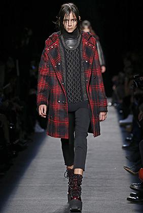 Красно-черный тартан привлекает не только Лагерфельда, но и дом Alexander Wang. Неделя моды в Нью-Йорке, весна 2014 года.