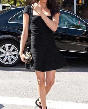 Будущая герцогиня Сассекская в фактурном мини-платье на Неделе моды Mercedes-Benz Fashion Week 2014.