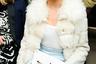 """Показ зимней коллекции Уэса Гордона на Неделе моды в Нью-Йорке. <a href=""""https://lenta.ru/news/2018/07/24/noselfiesmeghan/"""" target=""""_blank"""">Красить</a> ногти черным лаком можно будет еще три года."""