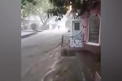 В Крыму женщину смыло потоком ливня