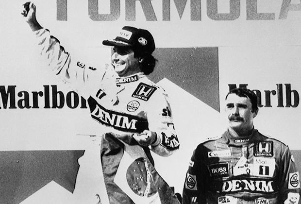 Многолетний владелец коммерческих прав на показ гонок Формулы-1 Берни Экклстоун пытался привезти Формулу-1 еще в СССР и даже посетил Советский Союз. Увы, тогда британский бизнесмен уперся в безразличие генералов ДОСААФ. Но Железный занавес Формула-1 все же преодолела: в 1986 году состоялся первый Гран При Венгрии, победителем которого стал пилот Williams Нельсон Пике. Кстати, сейчас за Williams выступает россиянин Сергей Сироткин, а дочь Пике Келли встречается с еще одним российским пилотом Формулы-1 Даниилом Квятом.