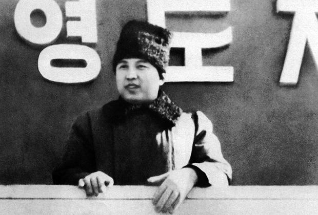 Ким Ир Сен на параде, посвященном созданию северокорейской армии