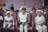 Дети участвуют в новогоднем представлении в детском доме в Червене. В Белоруссии детские дома — закрытые учреждения, в которые можно попасть только во время праздников. Поэтому очень мало известно об условиях жизни в них и о том, что там происходит.