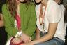 В середине 2000-х сестры Олсен выглядели далеко не так болезненно и порочно, как в наши дни, дружили с дизайнером-геем Марком Джейкобсом и носили его яркие вещи.