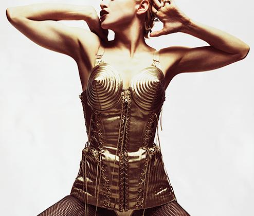 «Мадонна не следует трендам, она их создает», — говорил главный стилист-парикмахер Лос-Анджелеса Энди Леконт.