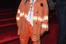 Когда очень хотелось стать пожарным, но не прошел медкомиссию. Американская певица Билли Эйлиш блистала в первом ряду показа Calvin Klein в оверсайз-куртке и штанах с подворотами.