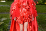Платье от Rodarte вполне могла бы надеть червонная королева в какой-нибудь нуарной экранизации «Алисы в стране чудес».