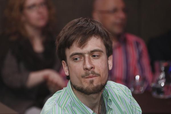 Участник Pussy Riot Петр Верзилов госпитализирован в тяжелом состоянии