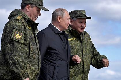 Начальник Генштаба ВС РФ Валерий Герасимов, Владимир Путин и Сергей Шойгу (слева направо)