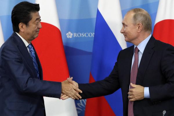 Япония отказалась поверить в спонтанность предложения Путина о мире