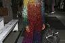 В музыке певицы Корин Бэйли Рэй неосоул причудливо сочетается с этническими мотивами, инди- и альтернативным роком. Наряд, в котором она пришла на показы, был под стать ее музыке: яркие цвета, причудливый крой, необычная фактура.