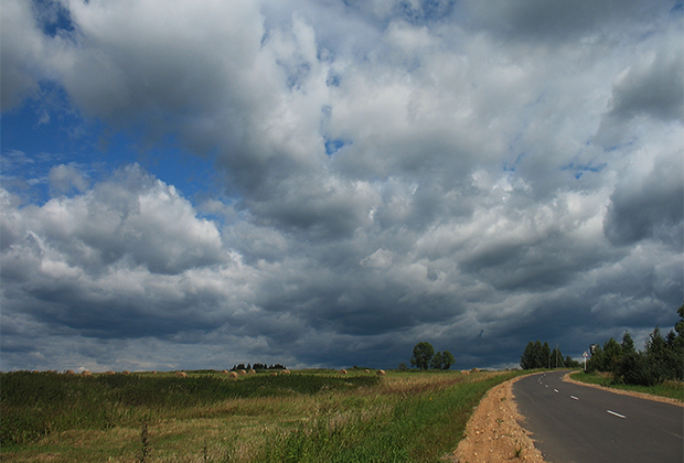 Село Берново расположено на дороге между старинными русскими городами Торжком и Старицей, почти посередине