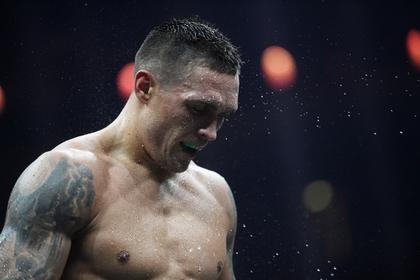 Украинский боксер Усик жестко высказался о критикующей его власти