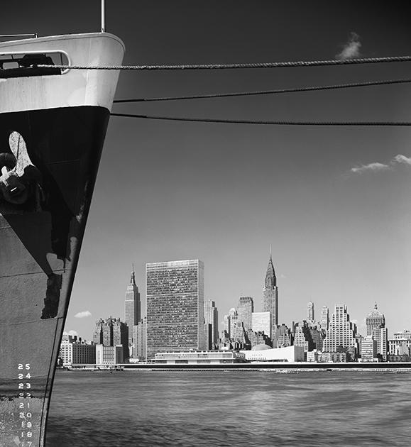 Штаб-квартира ООН, Нью-Йорк, США, 1954 год. Спроектирована международной командой архитекторов под руководством Уоллеса Гаррисона