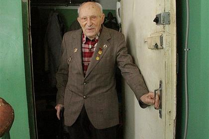 Коллекторы грозили  ветерану «воткнуть паяльник водно место» из-за долгов