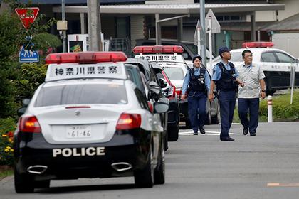 Полицейский сопровождал премьера Японии и потерял заряженный пистолет