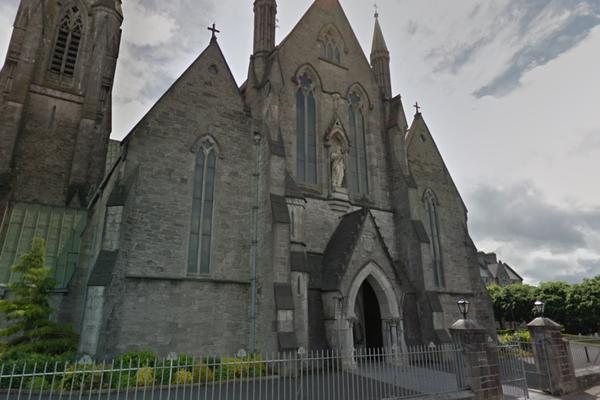 Ирландские наркоманы помыли шприцы в святой воде