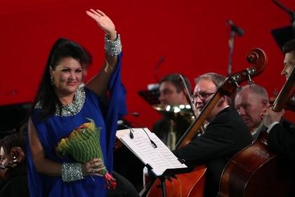 Анну Нетребко не пустили петь для Путина из-за приезда Путина