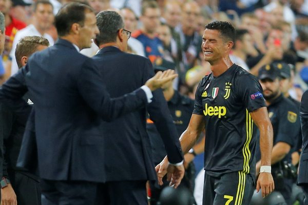 Роналду получил красную карточку и заплакал