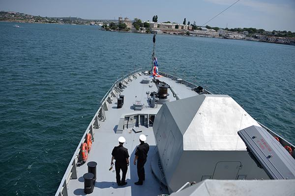 Порошенко пообещал выгнать российский флот из Крыма
