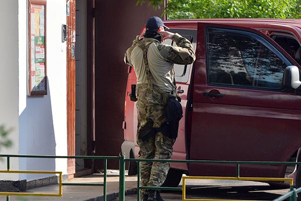 Задержанная россиянка совершила ограбление на глазах у полиции