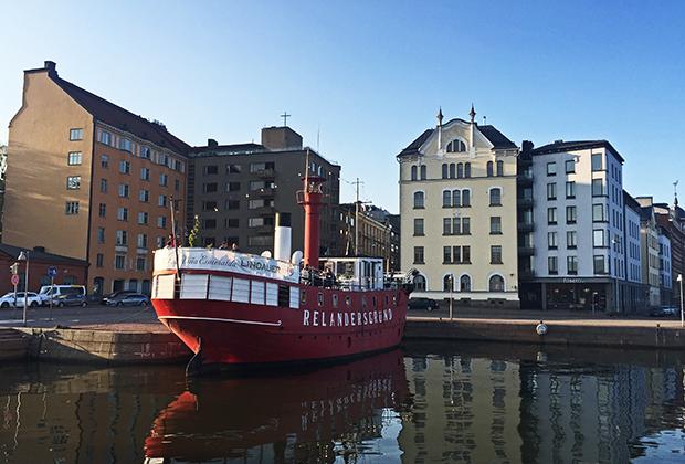 Достопримечательность Хельсинки — питейное заведение на пароходе XIX века