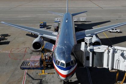 Пилот вломился в пассажирский самолет и вознамерился его угнать