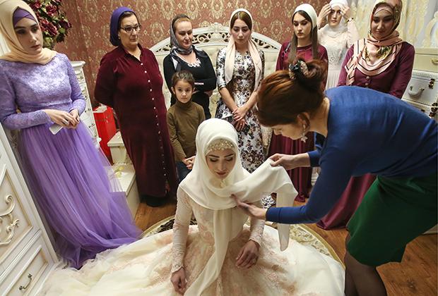 Подготовка невесты к чеченской свадьбе