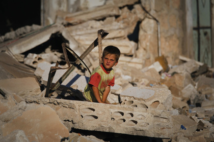 Спасение ненастоящих жертв химатаки в Сирии попало на видео