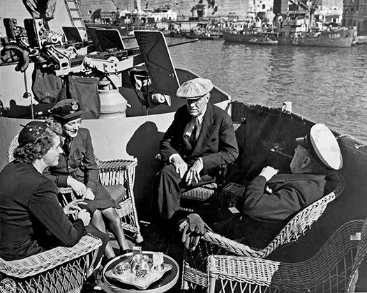 Перед тем как встретиться со Сталиным в Ялте, Черчилль и Рузвельт провели переговоры на Мальте, подготовив единую позицию по некоторым вопросам.
