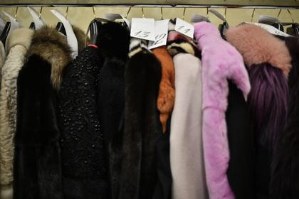 Сто шуб украли из магазина в центре Москвы