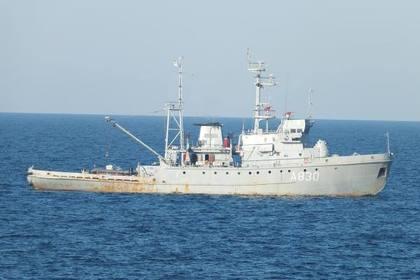 Корабли ВМС Украины проплыли под Крымским мостом