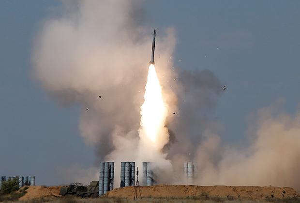 Запуск ЗРК С-300