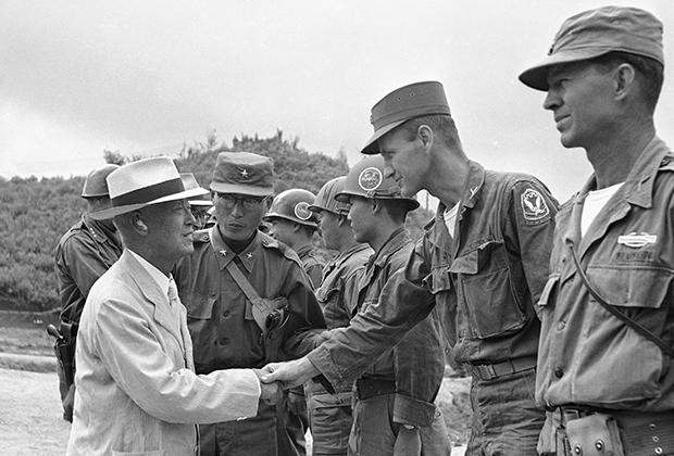 Ли Сын Ман и американские военные