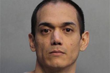 Притворившийся домохозяйкой гей соблазнил 150 мужчин и попал под суд