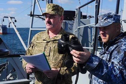 Киев пожаловался на провокации против кораблей в Керченском проливе
