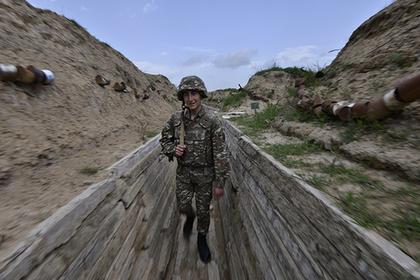 Азербайджан пообещал сбивать армянские самолеты над Карабахом