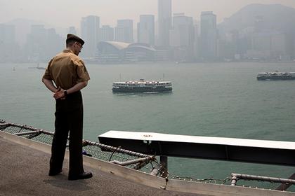 Китай отказался пустить американский военный корабль в свой порт