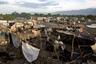 На мусорном полигоне живет около 500 семей. Когда летом наступает сезон дождей и свалку затапливает, на территории вспыхивает эпидемия холеры. Кроме того, такие условия крайне благоприятны для размножения москитов, переносящих инфекции. Вода, пропитанная ядовитыми отходами, впитывается в почву и попадает в близлежащие водоемы.