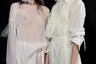 Голая грудь, как обычно, стала одним из хайлайтов парижской Недели моды. А вот обмотать лица моделей марлей догадалась только бельгийка Анн Демельмейстер.