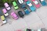 Разноцветные автомобили, снятые фотографом Хелин Берекет на берлинской стоянке, сверху кажутся игрушечными.