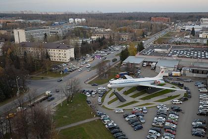 Назван российский аэропорт с самой дешевой парковкой