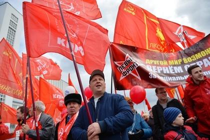 Памятный знак белому генералу на родине Ленина возмутил коммунистов