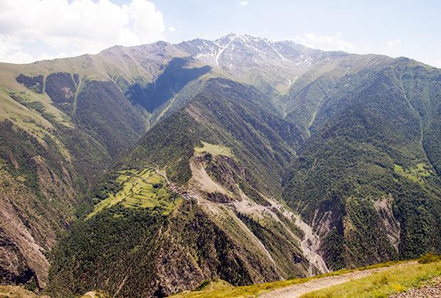 На протяжении многих веков горы защищали жителей аула от всех опасностей