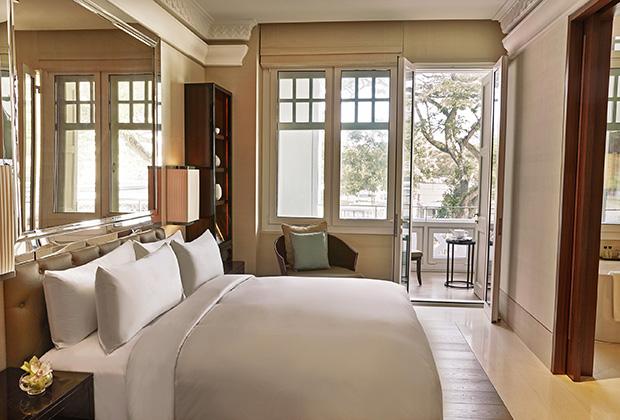 Номер Grand Deluxe в отеле The Capitol Kempinski Hotel Singapore